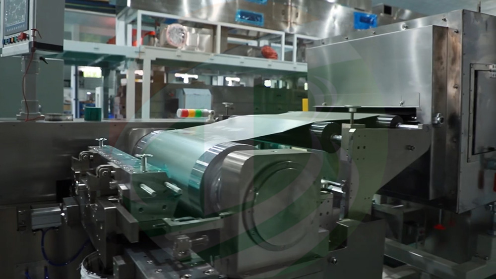 Slot die coating machine